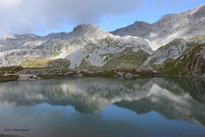 Lac dans le massif du Wildorn.jpg