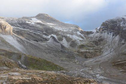 Col du massif du Wildhorn.jpg